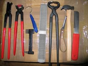 zestaw do korekcji kopyt narzędzia kowalskie