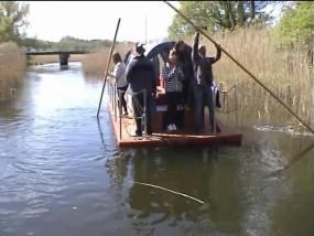 Spływ tratwą rodzinną po rzece Brdzie